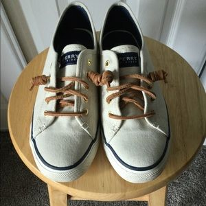 Ivory Sperry pier view top siders.